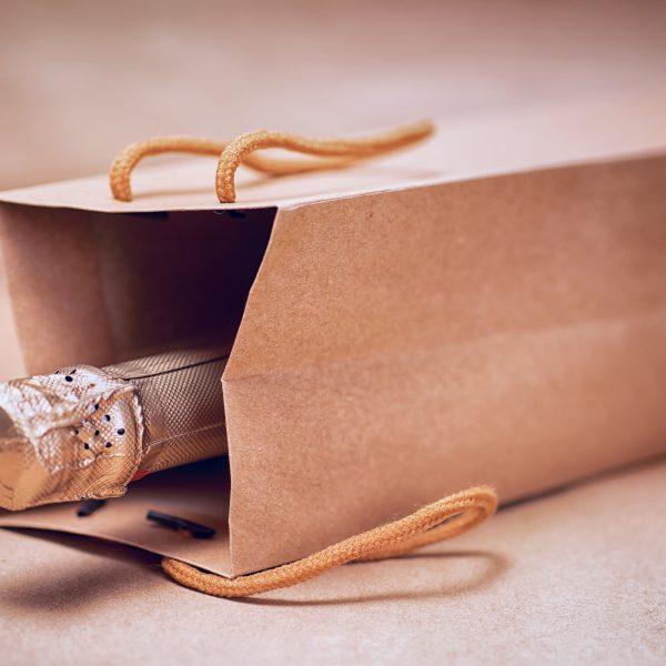 【おすすめ銘柄の紹介あり】誕生日にプレゼントするワインの選び方徹底解説!